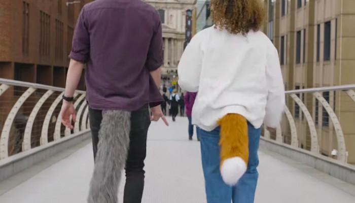 Así es miTail, una cola de animal para humanos que puede controlarse con una aplicación