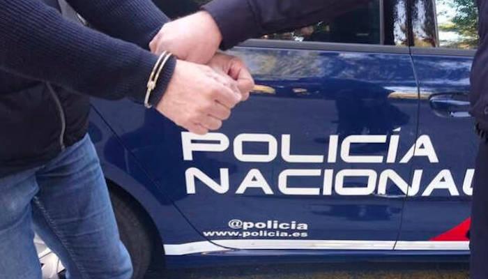 Detenido un enfermero en Cádiz por robar vacunas contra la covid-19 y cobrar por ponerlas