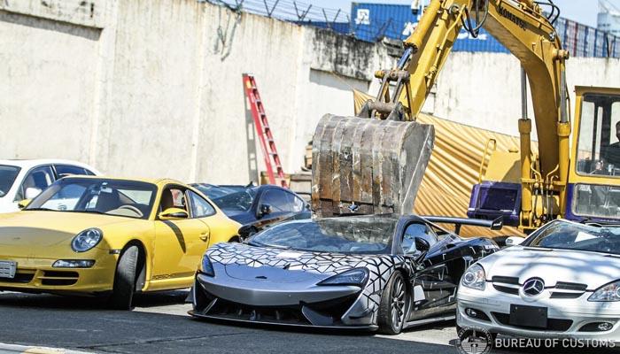 Filipinas ha vuelto a destruir más de un millón de euros en coches de lujo, incluido un McLaren 620R