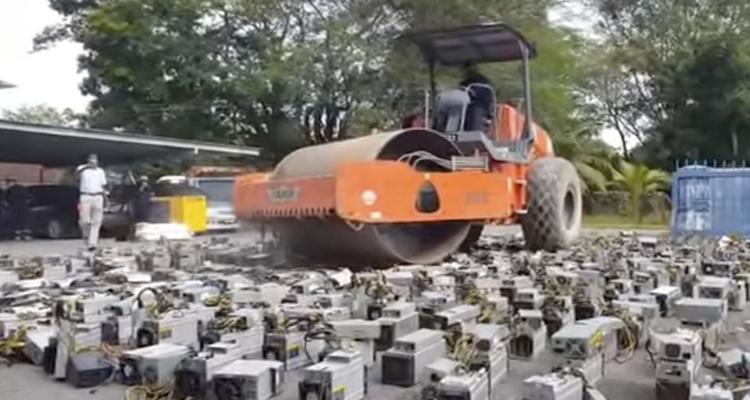 Así se destruyen más de 1.000 ASICs de Bitcoin de una granja de minería ilegal