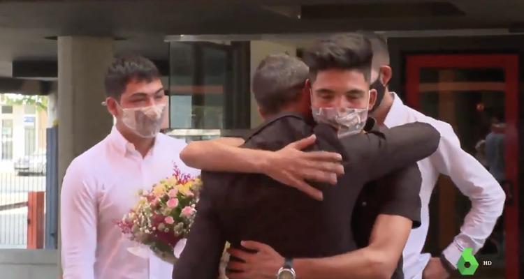 """Absueltos los tres hermanos afganos acusados falsamente de violación en Murcia: """"Ha sido un infierno que no entendemos"""""""