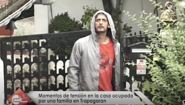 Okupas de una casa de Trapagaran (Vizcaya) a los periodistas: ''Como vengáis aquí os entierro en abono''