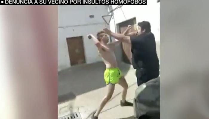 """""""Eres el maricón del pueblo"""": la agresión homófoba en Sevilla que un juez descarta como delito de odio"""