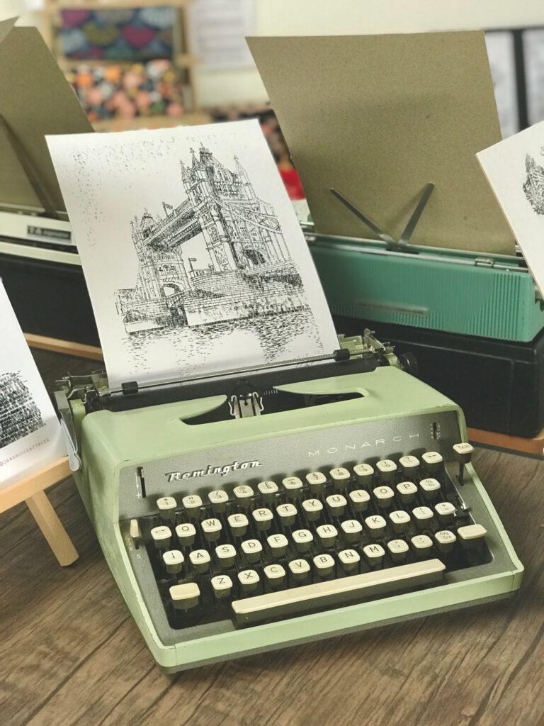 """Un artista """"imprime"""" paisajes y retratos increíbles utilizando sólo los caracteres de una máquina de escribir"""