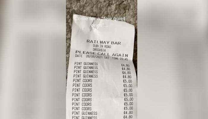 Unas amigas quedan para tomar unas cervezas para celebrar la reapertura de bares en Irlanda y acaban con una cuenta de 680 euros