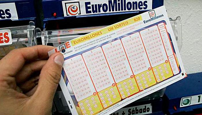 Devuelve un boleto de Euromillones que se había encontrado y se lleva una recompensa de 12 millones de euros