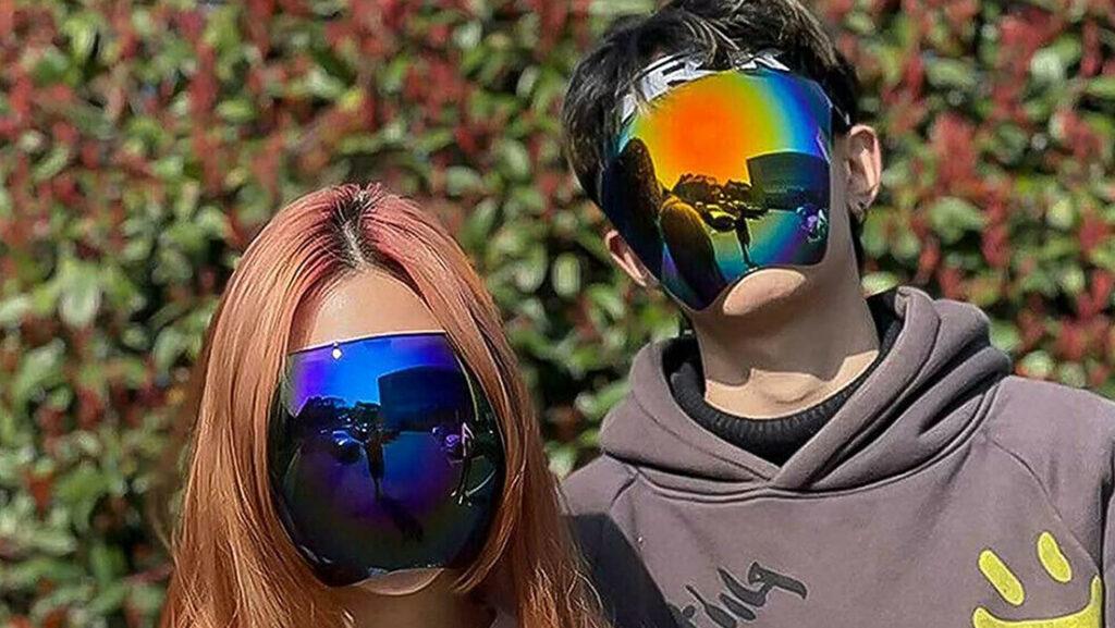 Lanzan en Japón unas gafas de sol 'a lo Daft Punk', que cubren de las cejas al mentón