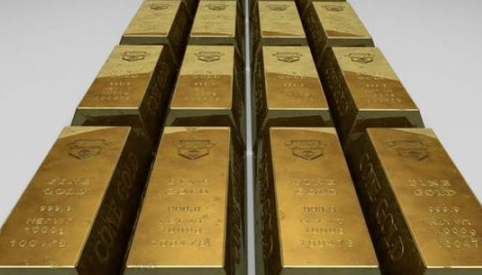 Detienen a un hombre en un aeropuerto por contrabandear con un kilo de oro que ocultaba en el interior de su recto